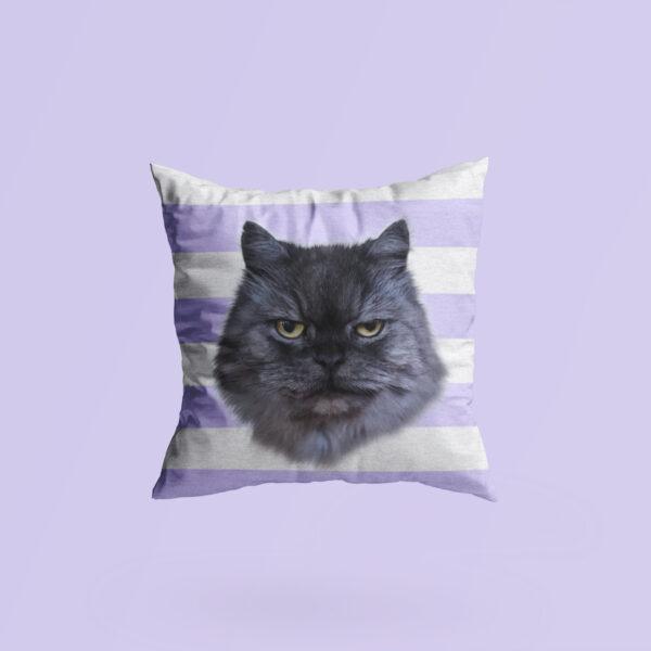 mor çizgili kedili yastık