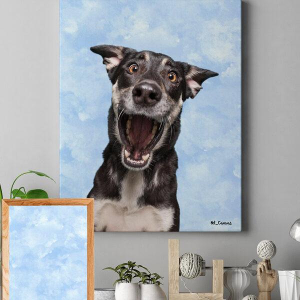 Mavi Beyaz Bulutlu Suluboya köpek tablosu